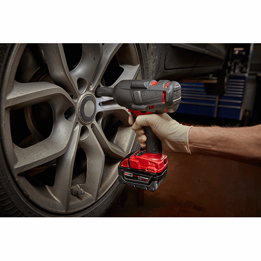 M18 Fuel 1 2 Mid Torque Impact Wrench With Friction Ring Kit